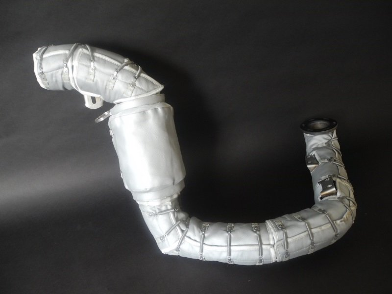Insulation of the pipe with flexible member